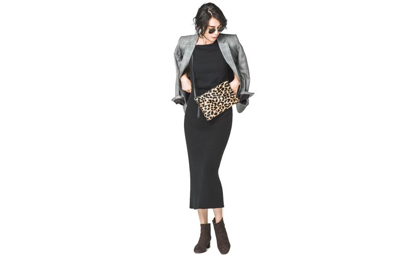 【8】グレージャケット×黒カットソー×ロングタイトスカート
