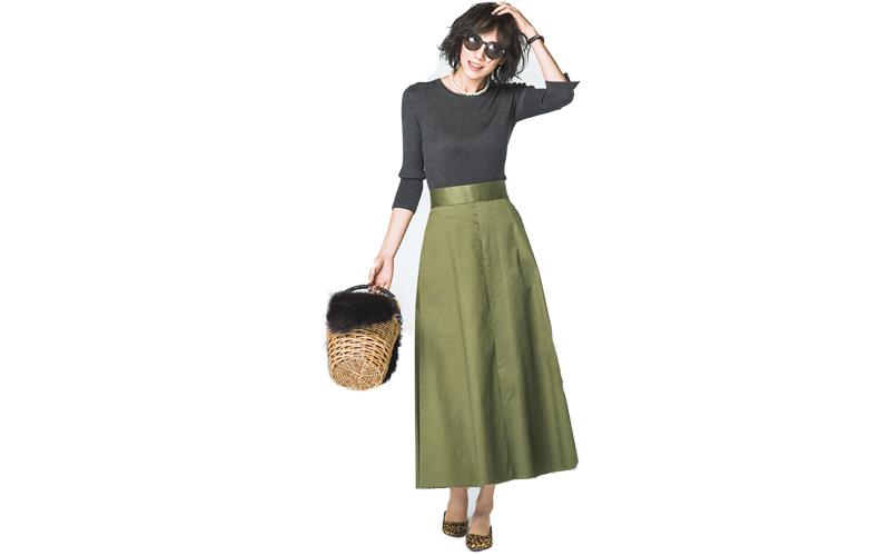 【9】グレーニット×カーキスカート