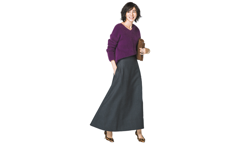 【5】グレーフレアロングスカート×紫Vネックニット