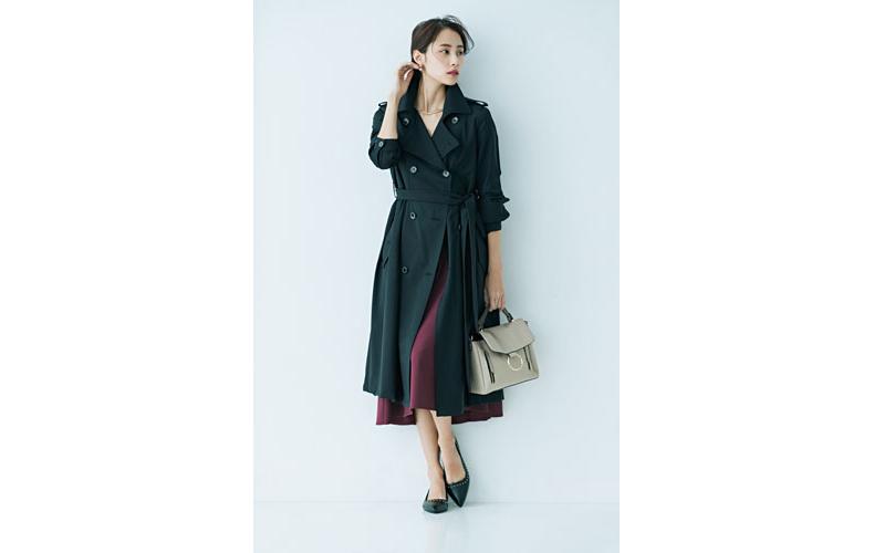【1】紫フレアスカート×黒トレンチコート