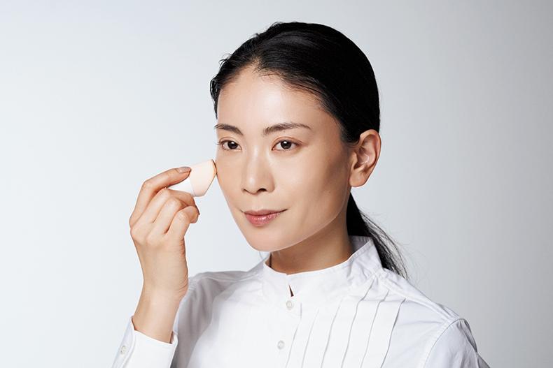 【1】亀恭子さんがお手本!時短できる艶肌の作り方