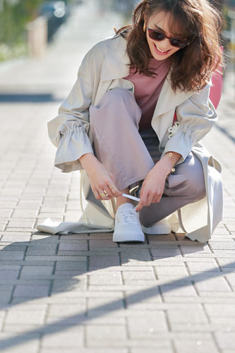 噂のお団子イケ★ママ、小林有里さんの春は〝厚底白スニーカー〟しか欲しくないっ♥