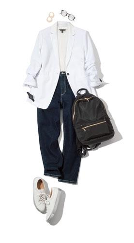 【10】白タンクトップ×デニムパンツ×白ジャケット