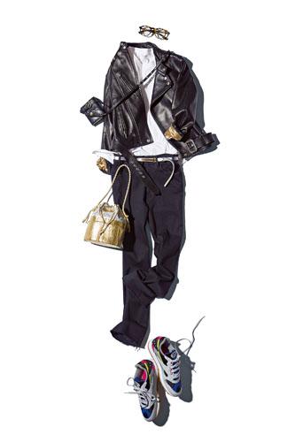 和田明日香の〝白Tと白シャツとパールと…〟