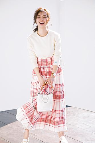 【1】白ニット×チェック柄プリーツスカート