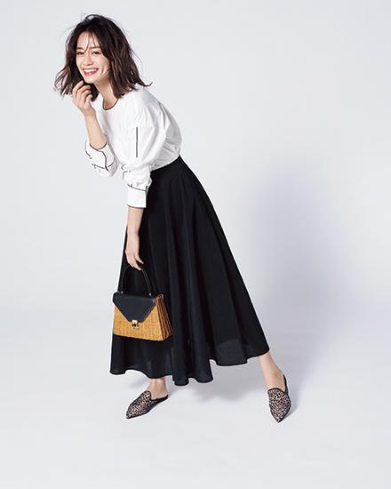 【5】黒ロングスカート×白ブラウス