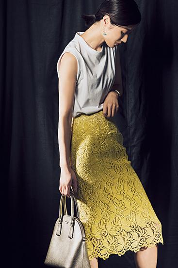 【8】黄スカート×白Tシャツ