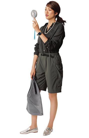 【10】黒シャツ×グレーショートパンツ