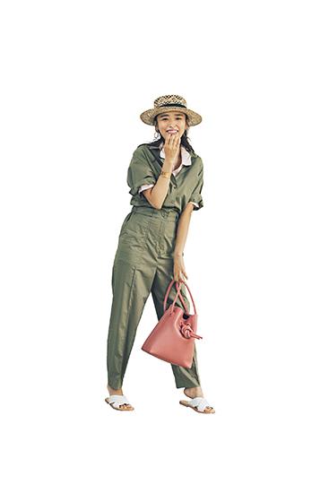 【9】ピンクポロシャツ×カーキオールインワン×麦わら帽子