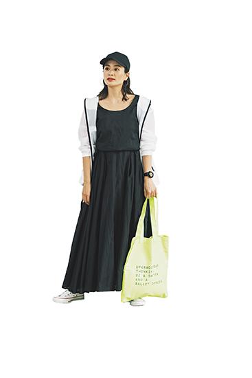 【2】白パーカ×黒ワンピース