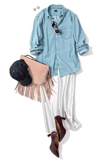 デニムシャツ×シルバースカート