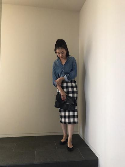 デニムシャツ×ロングスカート