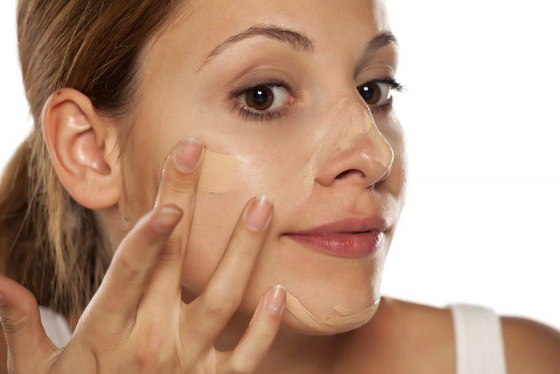 皮脂をコントロールする化粧下地を使う
