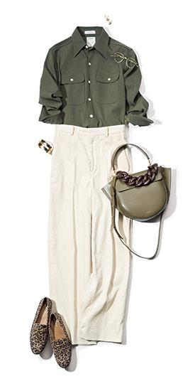 【4】カーキシャツ×白ワイドパンツ