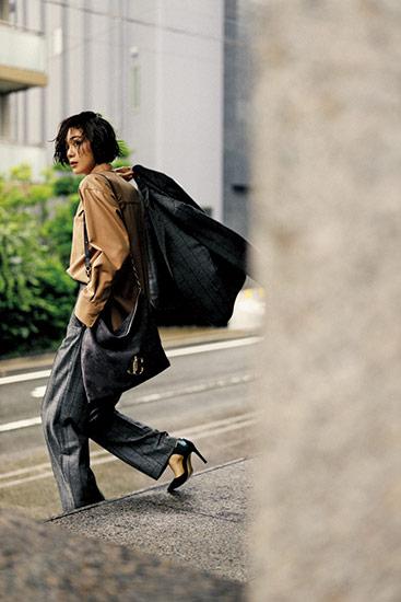 【3】グレーチェックジャケット×ベージュシャツ×グレーチェックパンツ