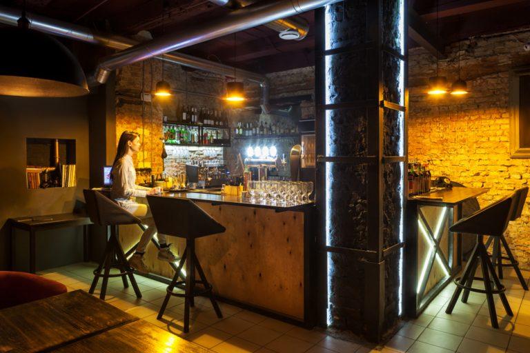 夜カフェ 東京 おすすめ 贅沢 時間 ひとり くつろげる