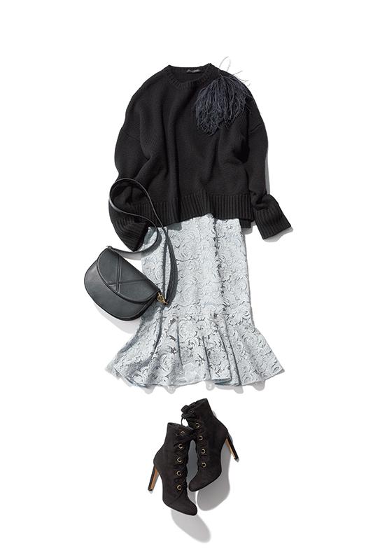 【4】黒ニット×グレーレーススカート×黒ショートブーツ