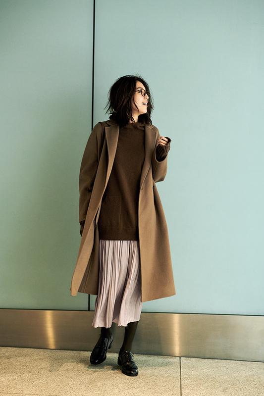【2】キャメルコート×ブラウンニット×ベージュプリーツスカート
