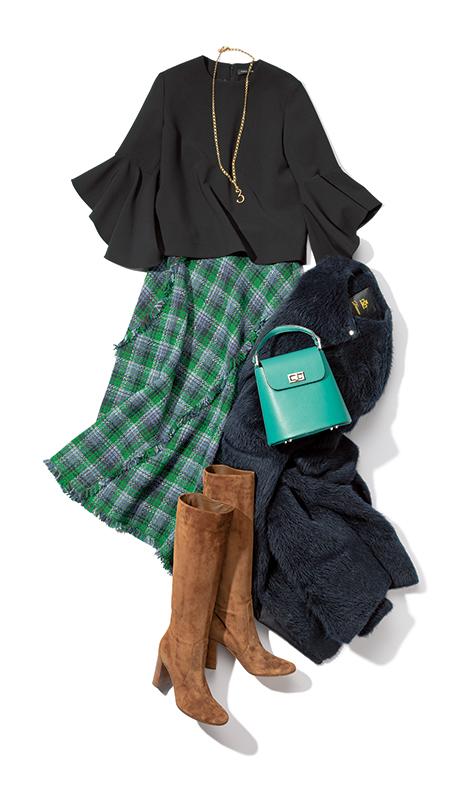 【4】黒ブラウス×チェックツイードスカート×ネイビーボアコート