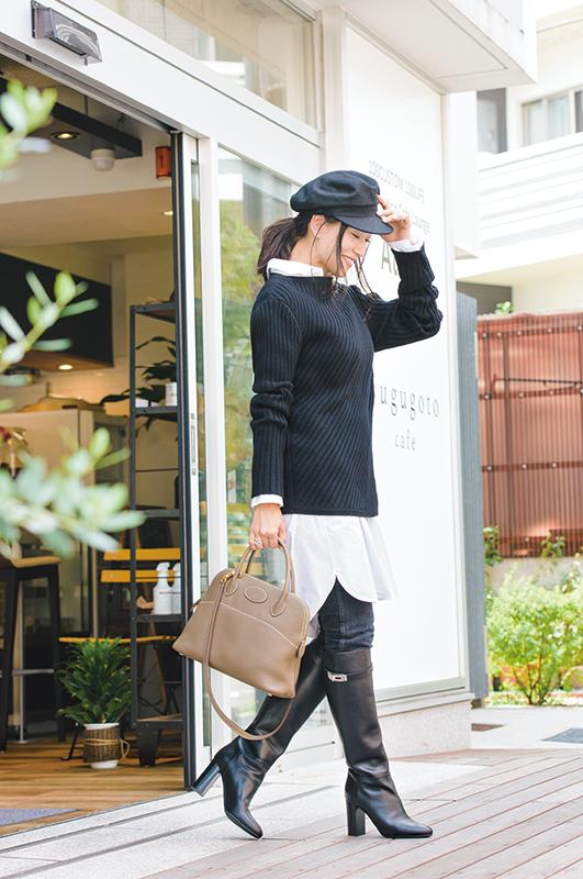 【6】黒パンツ×白ロングシャツ×黒ニット