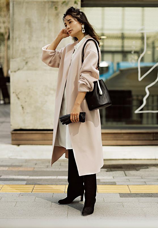 【1】白シャツワンピース×ピンクコート