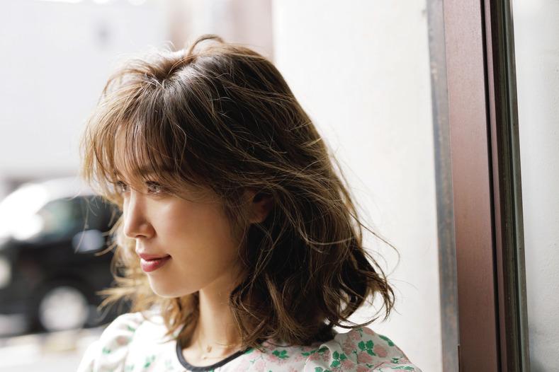 かわいい女を作る巻き髪スタイル