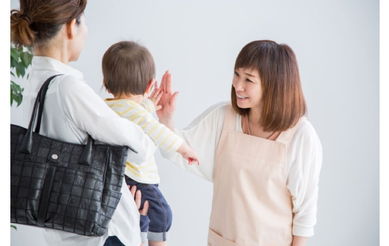 赤ちゃん 人見知り 対処法 人と会わせる