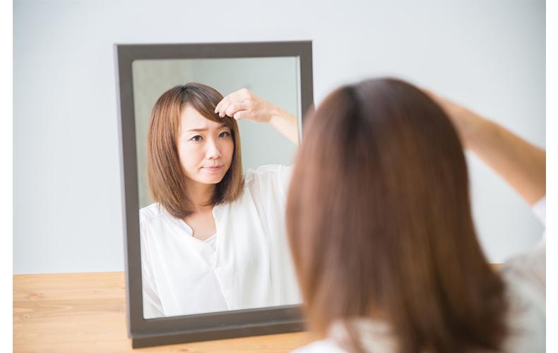 前髪のセットをキープするにはヘアスプレーがおすすめ