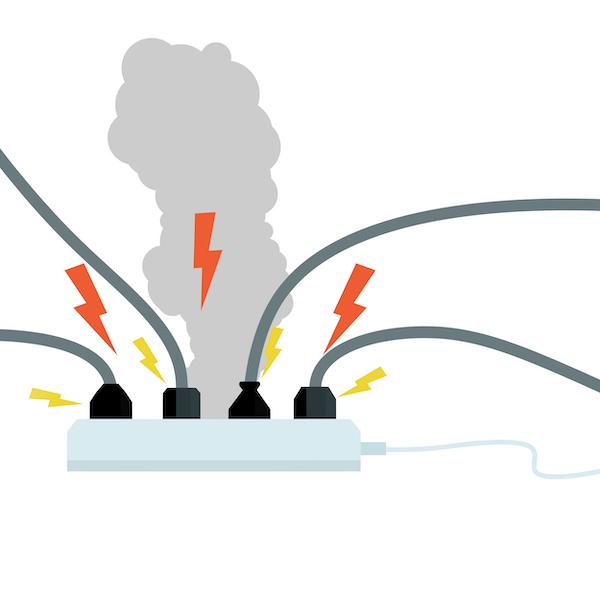 配線 整理 危険 発火 熱 ほこり