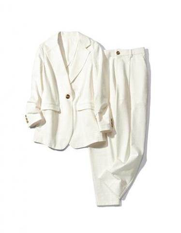「バーニーズ ニューヨーク」のスーツ