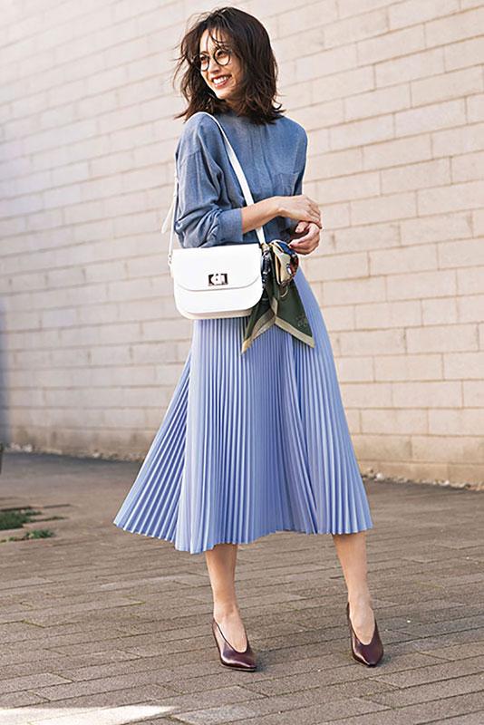【7】ツル バイ マリコ オイカワのプリーツスカート×シャツ