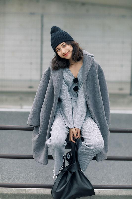 〝かわい・い・女♥〟的・服 淡 ×小物 濃のワントーン法則