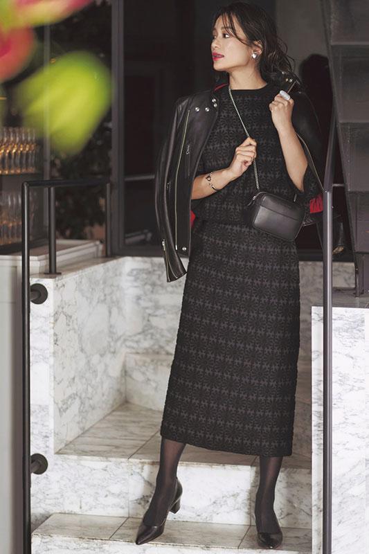 【1】黒ブルゾン×黒ニット×スカートのセットアップ