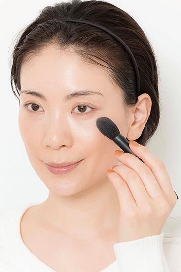 清潔感のある肌に仕上げる【ベースメーク】6ステップ