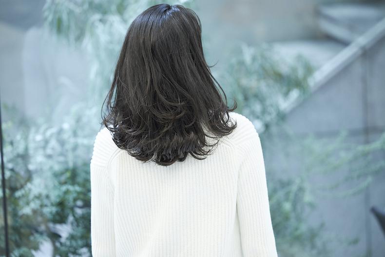 黒髪でも華やかな外巻き