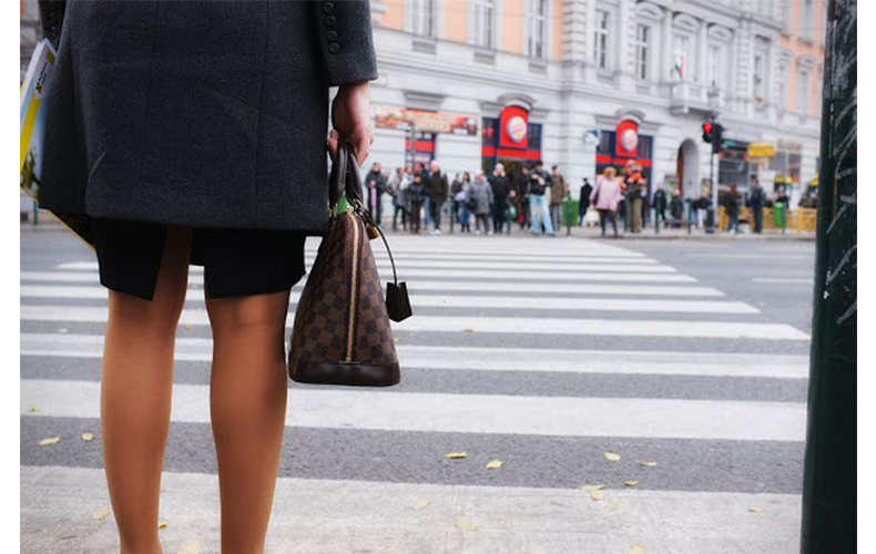 ストレスフル 原因 対処法 勤務時間 働きすぎ