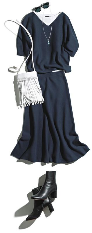 【6】ネイビーニット×ネイビースカートのセットアップのモードファッションコーデ