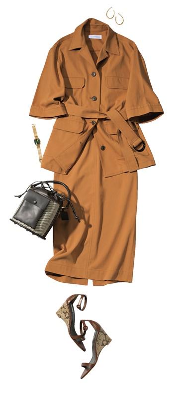 【5】オレンジジャケット×スカートのセットアップ