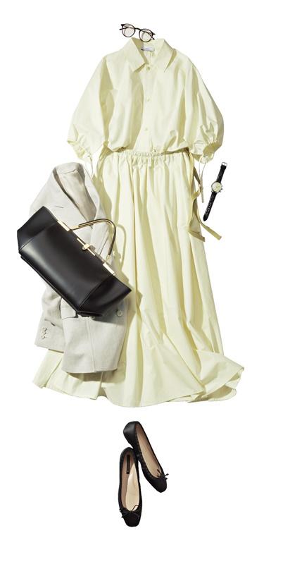 【2】白のドレスシャツ×白スカートのセットアップ