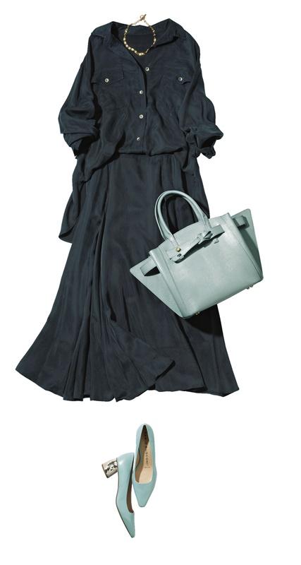 【1】ネイビーのドレスシャツ×ネイビースカートセットアップ