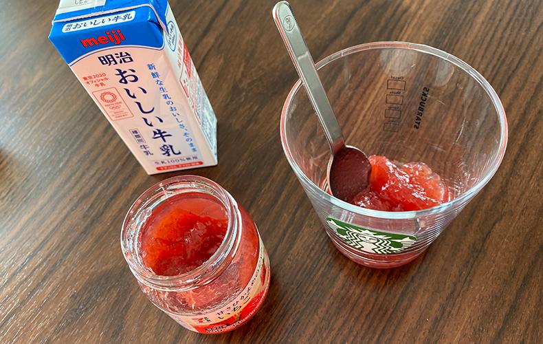 イチゴ ジャム 牛乳