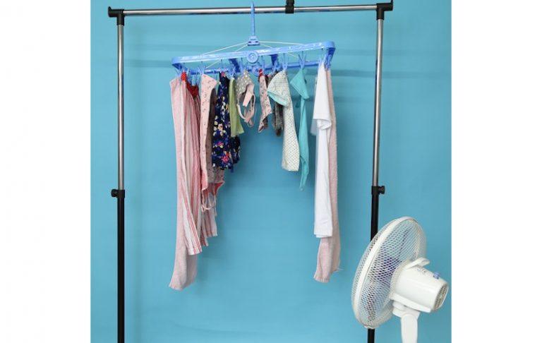 部屋干し メリット コツ ポイント 干し方 生乾き ニオイ 臭い 防ぐ 対策 扇風機 サーキュレーター エアコン