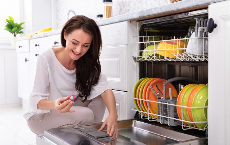 食洗機 洗剤 おすすめ タイプ別 粉末 ジェル タブレット 入れ方 選び方