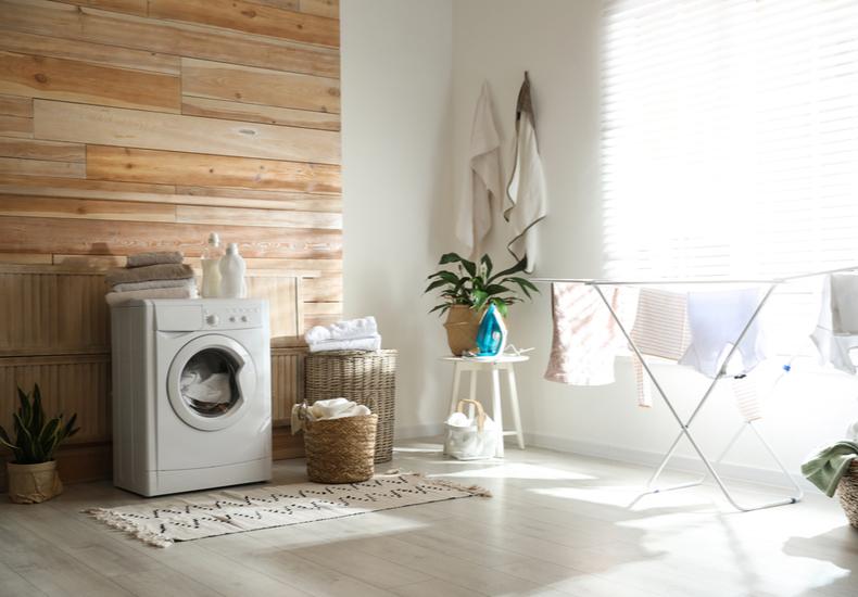 部屋干し メリット コツ ポイント 干し方 生乾き ニオイ 臭い 防ぐ 対策