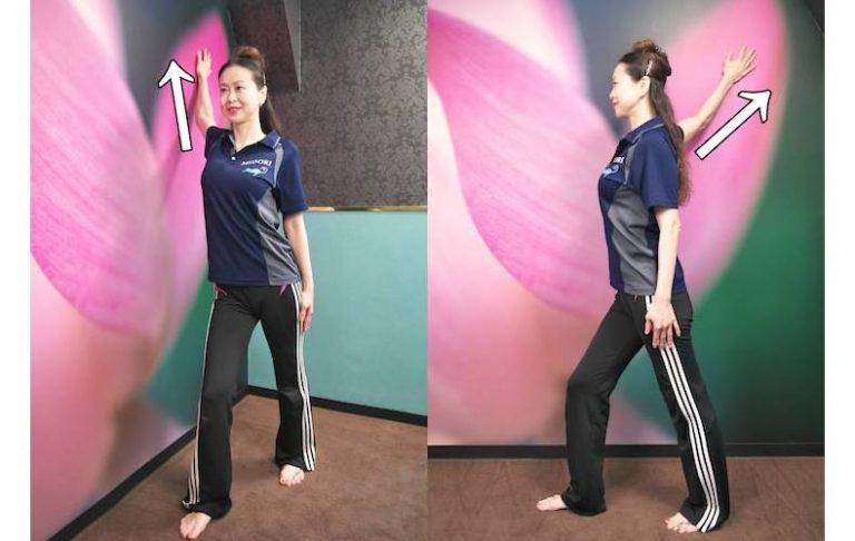 ■大胸筋を伸ばして上半身のストレッチ