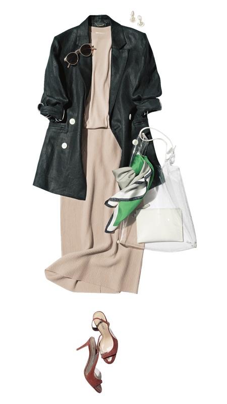 【3】黒ジャケット×ベージュニット×スカートのセットアップ