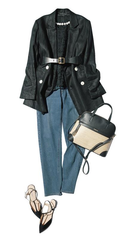 【3】黒ジャケット×黒ブラウス×デニムパンツ