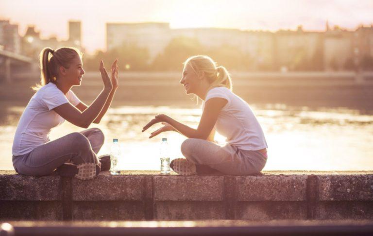 人と関わりたくない 人間関係 一人になりたい どんな時 シチュエーション 対処法 解決方法 ストレス 発散方法 話す 愚痴 相談