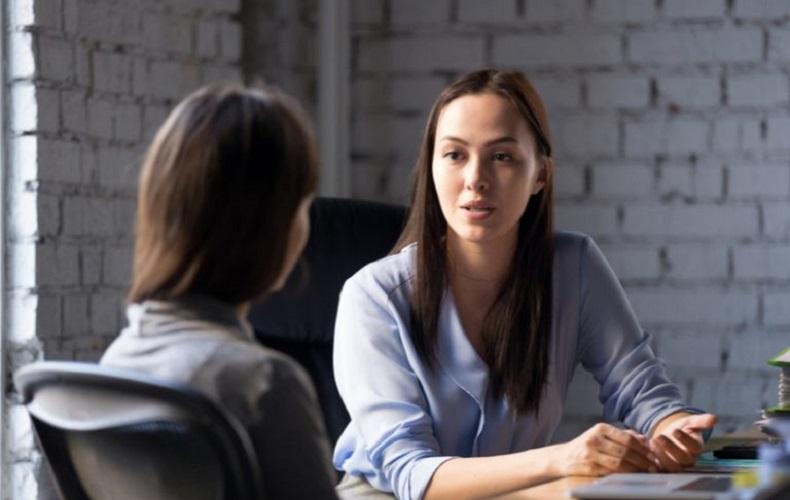 見栄っ張りな人 困る 性格 言動 特徴 接し方 アンケート調査 体験談 聞き流す