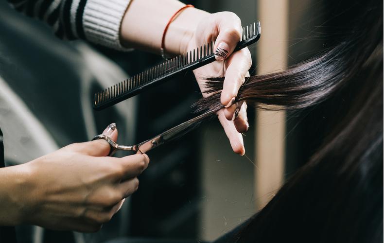 伸びる スピード 髪の毛